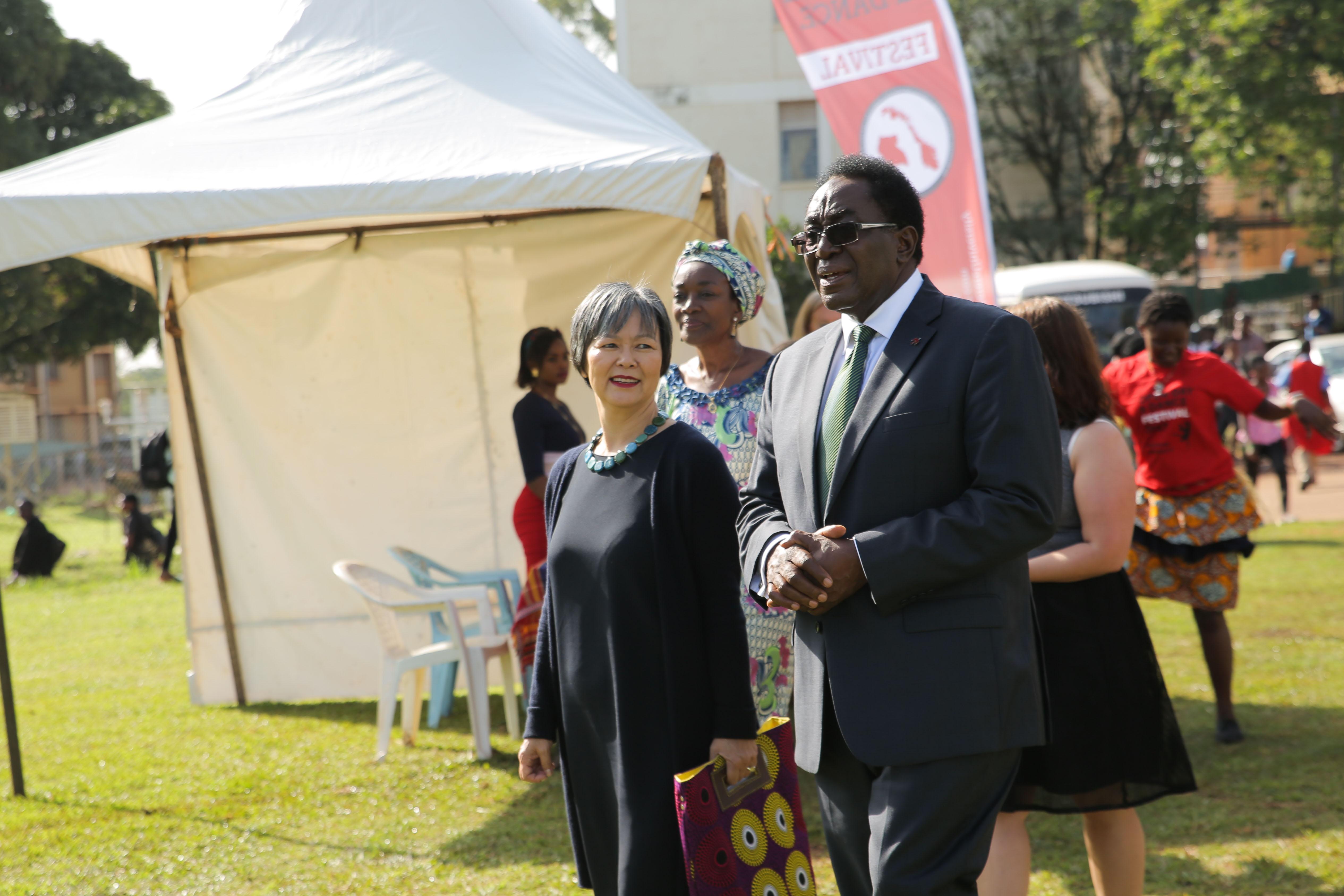 Den norske ambassadøren i Uganda gjestet både Åpen dag og dansefestivalen