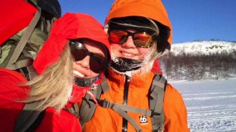 Anna og Johanne på Finnmarksvidda